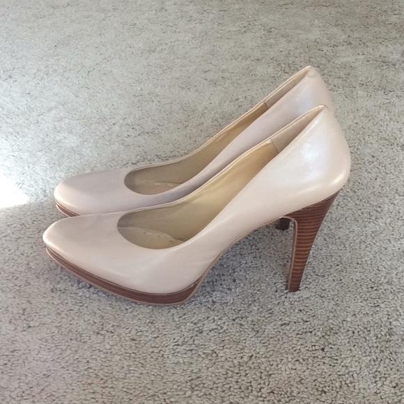 Nine West Shoes | Nude Pumps Size 9